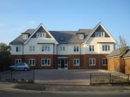 2 bedroom Ground Flat to rent in Kingsend, Ruislip...