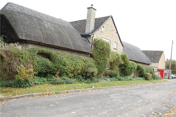 Eynsham Village Property