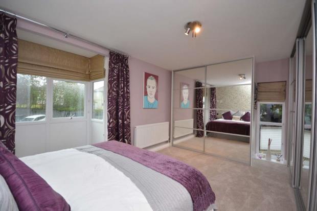3 bedroom flat for sale in Princess Court, Leeds, LS17