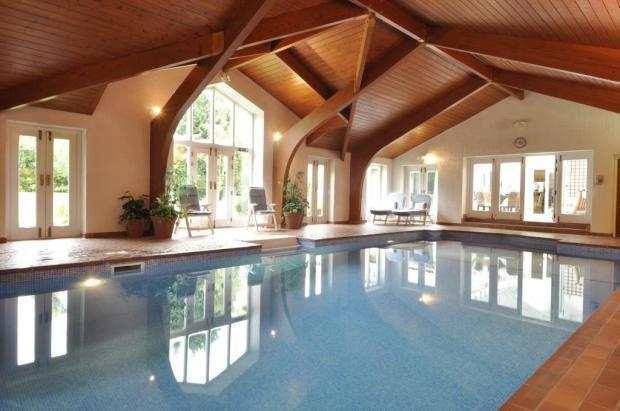 4 Bedroom Detached House For Sale In Heather Royd Wigton Lane Alwoodley Leeds West Yorkshire