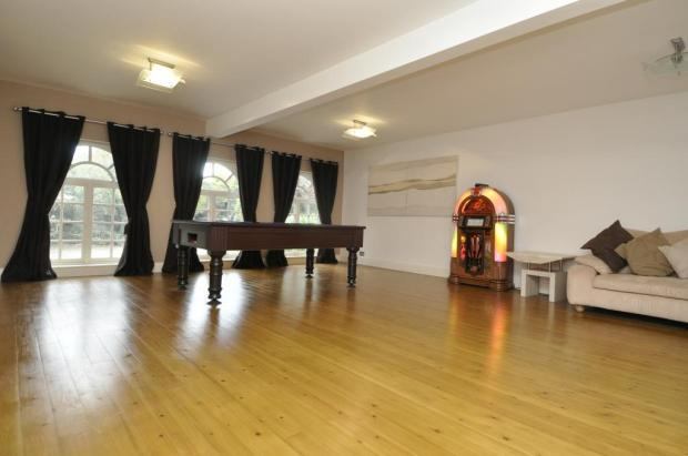 Sitting/Games Room