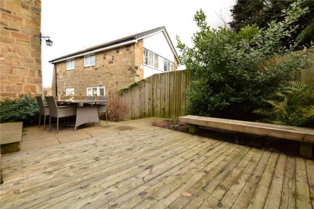 Garden/Decked Area