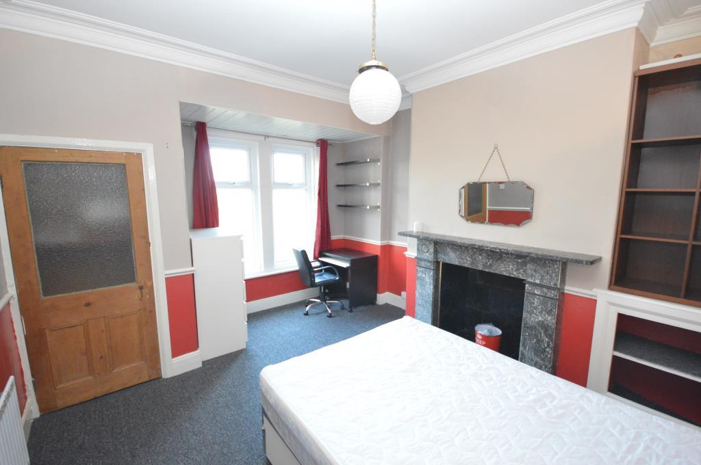 4 bedroom terraced house for sale in melville place leeds for Terrace parent lounge