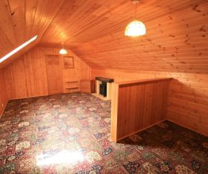 photo of bedroom with carpet