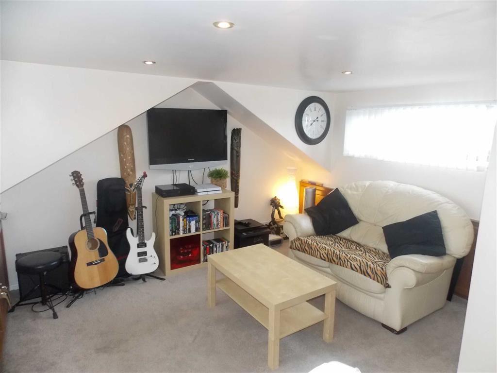 Loft Room / Bedroom