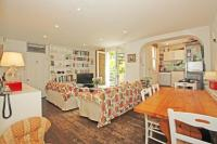 Flat to rent in St. Stephens Avenue, W12