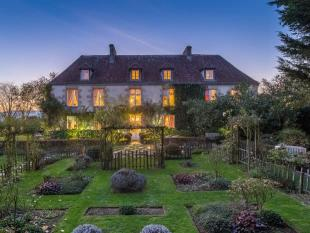 6 bedroom Detached home for sale in Late 18th Century...