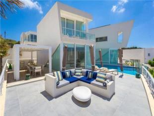 5 bedroom Villa in Unique and Outstanding...