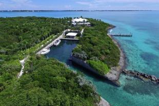 Foot's Cay Villa for sale