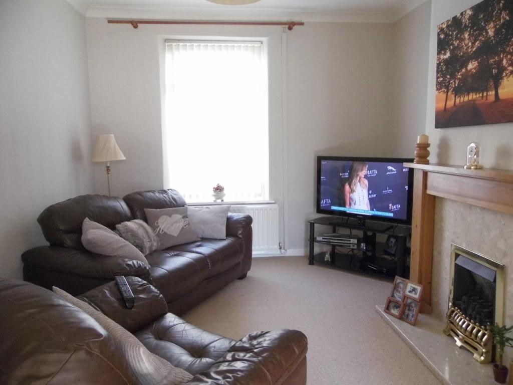 bedroom terraced house for sale in craddock street bishop auckland