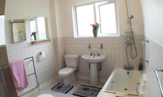 Bathroom.1.jpg