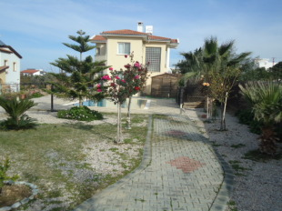 Villa for sale in Kyrenia, Alsancak