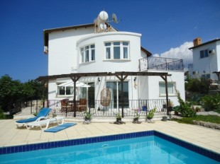 4 bedroom Detached home for sale in Girne, Esentepe