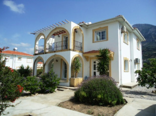 Villa for sale in Girne, Karsiyaka