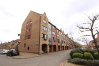 1 bedroom Flat for sale in Amsterdam Road, London...