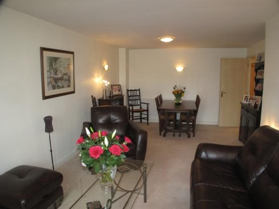 Lounge - Dining Area