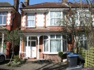 Flat to rent in Fernleigh Road...
