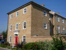 Town House to rent in Millhouse Walk...