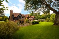 5 bed Detached property in The Green, Shamley Green...