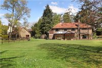 4 bed Detached property in Pyle Hill, Woking...