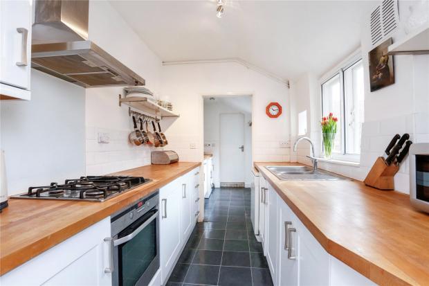 3 bedroom terraced house for sale in albert road henley for 37862 vessing terrace