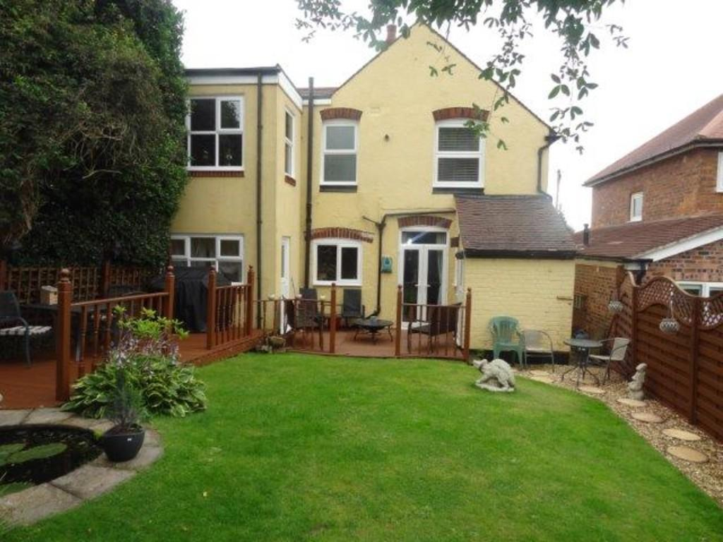 5 bedroom detached house for sale in salters lane tamworth b79