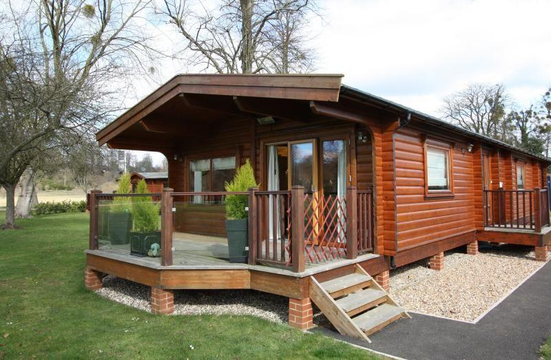 2 bedroom bungalow for sale in manor view harleyford for Marlow manor