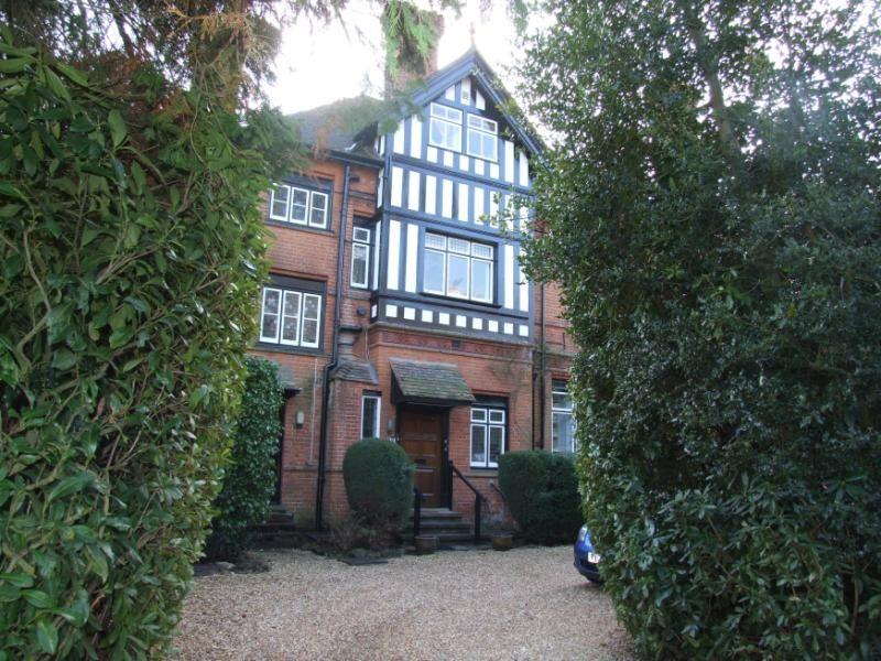 3 Bedroom Flat For Sale In Styles Charters Road Sunningdale Ascot Sl5 Sl5