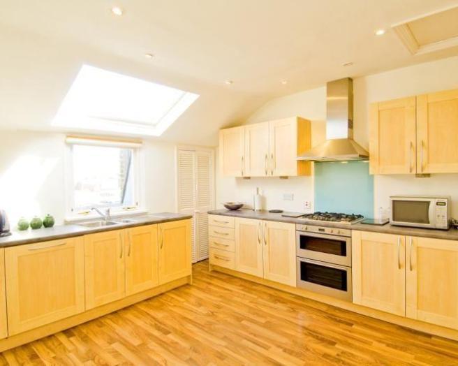 Skylight kitchen design ideas photos inspiration for Kitchen ideas rightmove