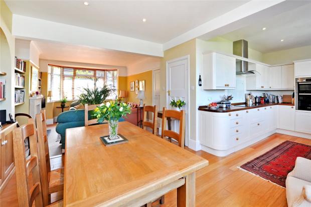Dining/Kitchen Area