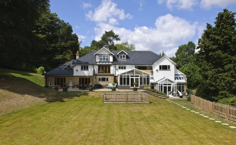 bedroom house for sale in lunghurst road woldingham surrey cr3