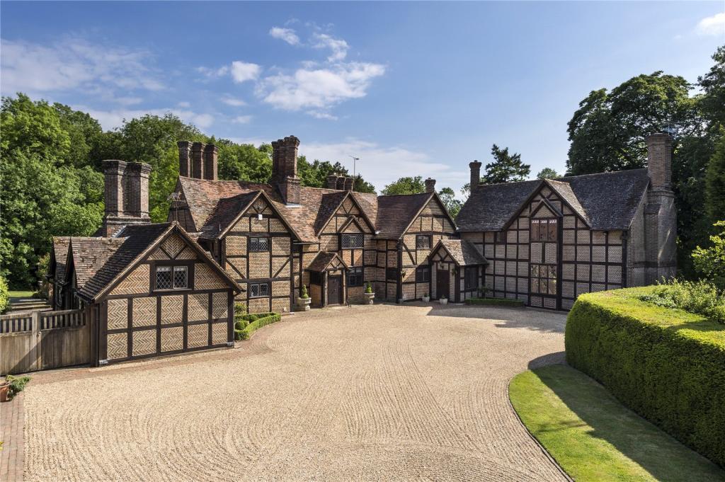 8 Bedroom Detached House For Sale In Horsham Road Capel Dorking Surrey Rh5 Rh5