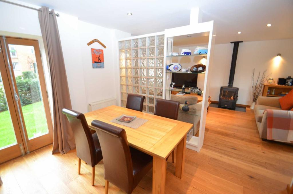 Dining through to sitting room
