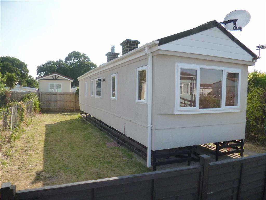 Bedroom Mobile Home For Sale In Lime Kiln Estate Southampton