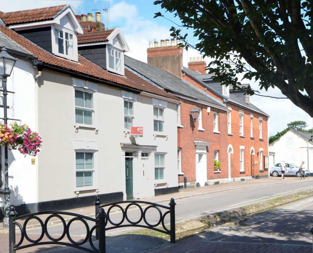 28 Castle Street