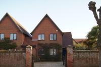 3 bed property to rent in Stanley Road Lymington