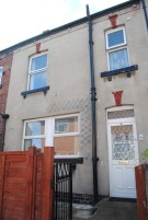 2 bedroom Terraced property in Salem Place, Garforth...