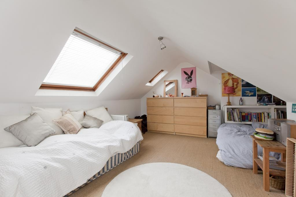Loft room design ideas photos inspiration rightmove Bunk room designs
