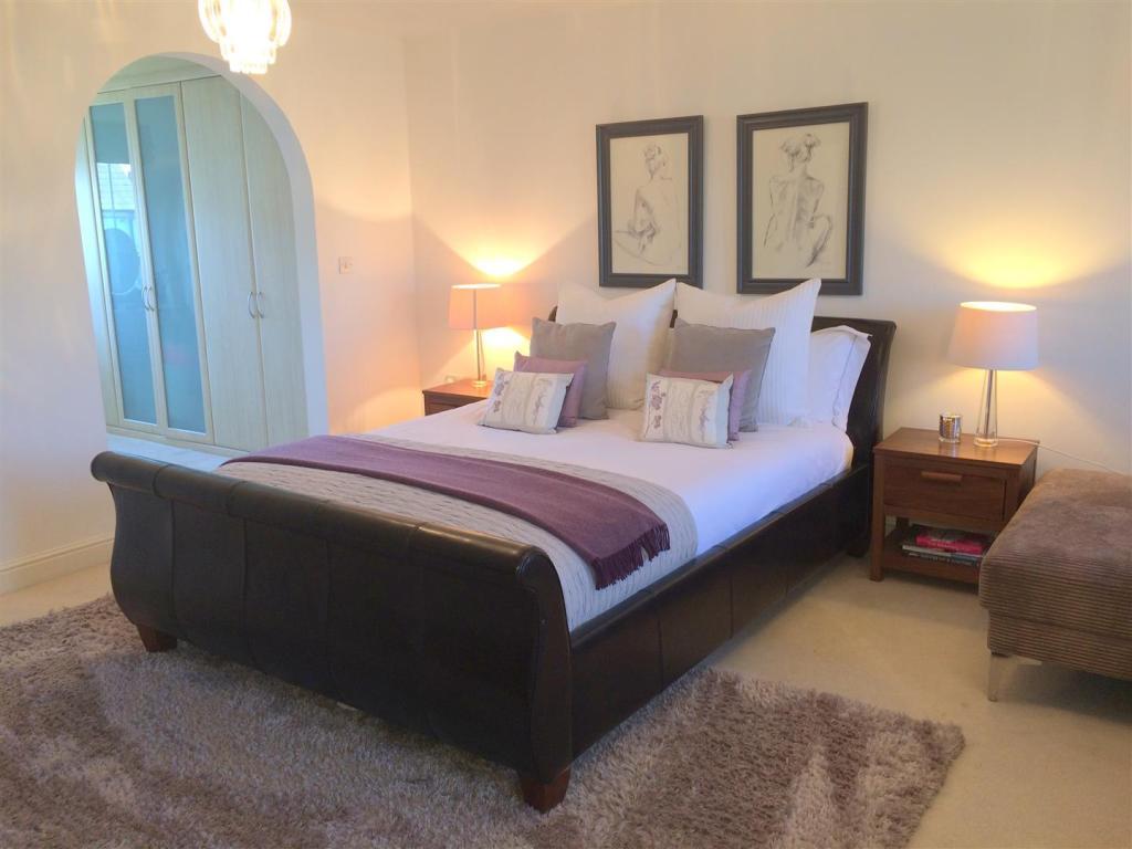 new master bed.jpg