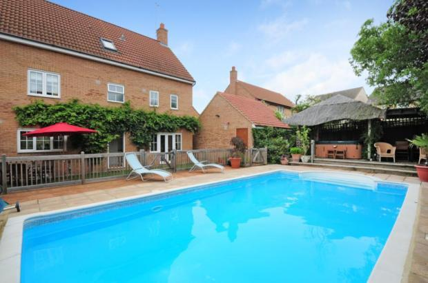 5 Bedroom Detached House For Sale In Irvine Drive