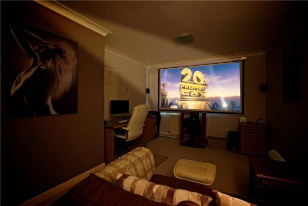 Bedroom/Cinema Room