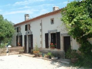 4 bed home in Near Ruffec, Charente...