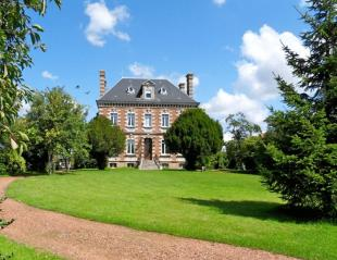 8 bed house in Near Saint...