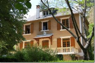 Near Montignac house for sale