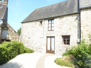 3 bedroom home in Near Larchamp, Orne...