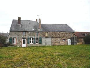 3 bed home for sale in Near Chantrigne, Mayenne...