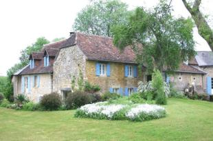6 bedroom house in Near, Thenon, Dordogne...