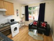 Flat in ASH ROAD, LEEDS, LS6 3HD