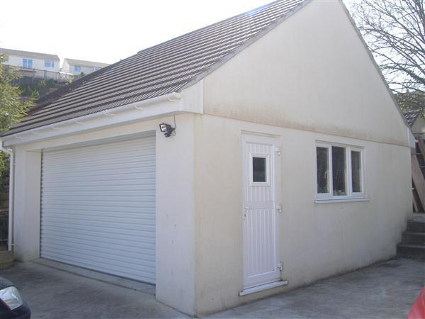 Detached Double Garage/Potential Annexe