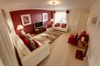 3 bed new development for sale in 14 Raglan Close...